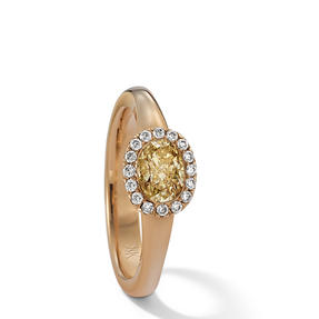 Ring in 18k yellow gold set with Fancy Intense Yellow and colourless diamonds. Available in different sizes.