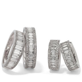 Rings and earrings in 18k white gold set with colourless diamonds. Availalbe in different sizes.